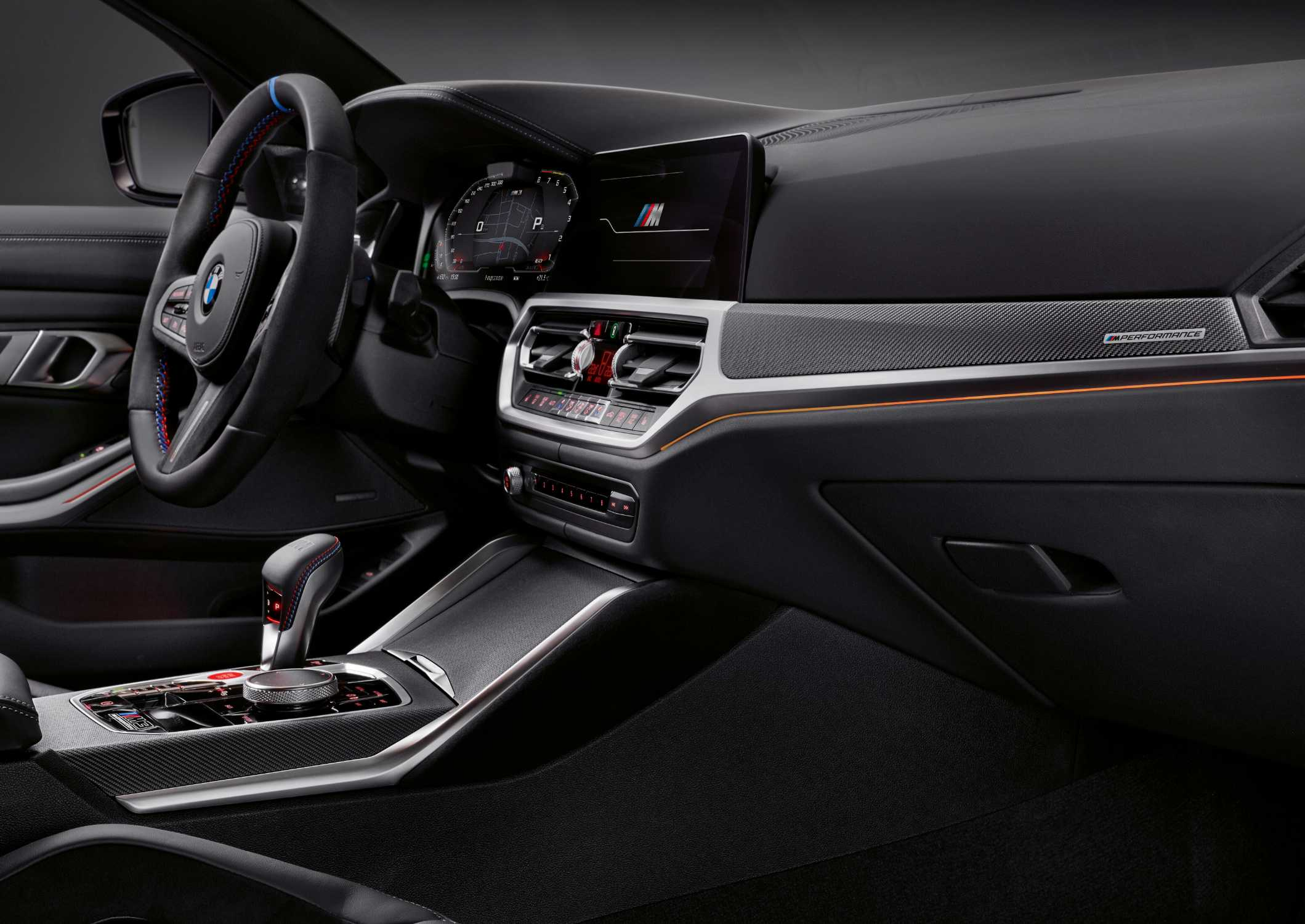 The new BMW M3 Competition Sedan, M Performance Interior panels in carbon fiber (09/2020).