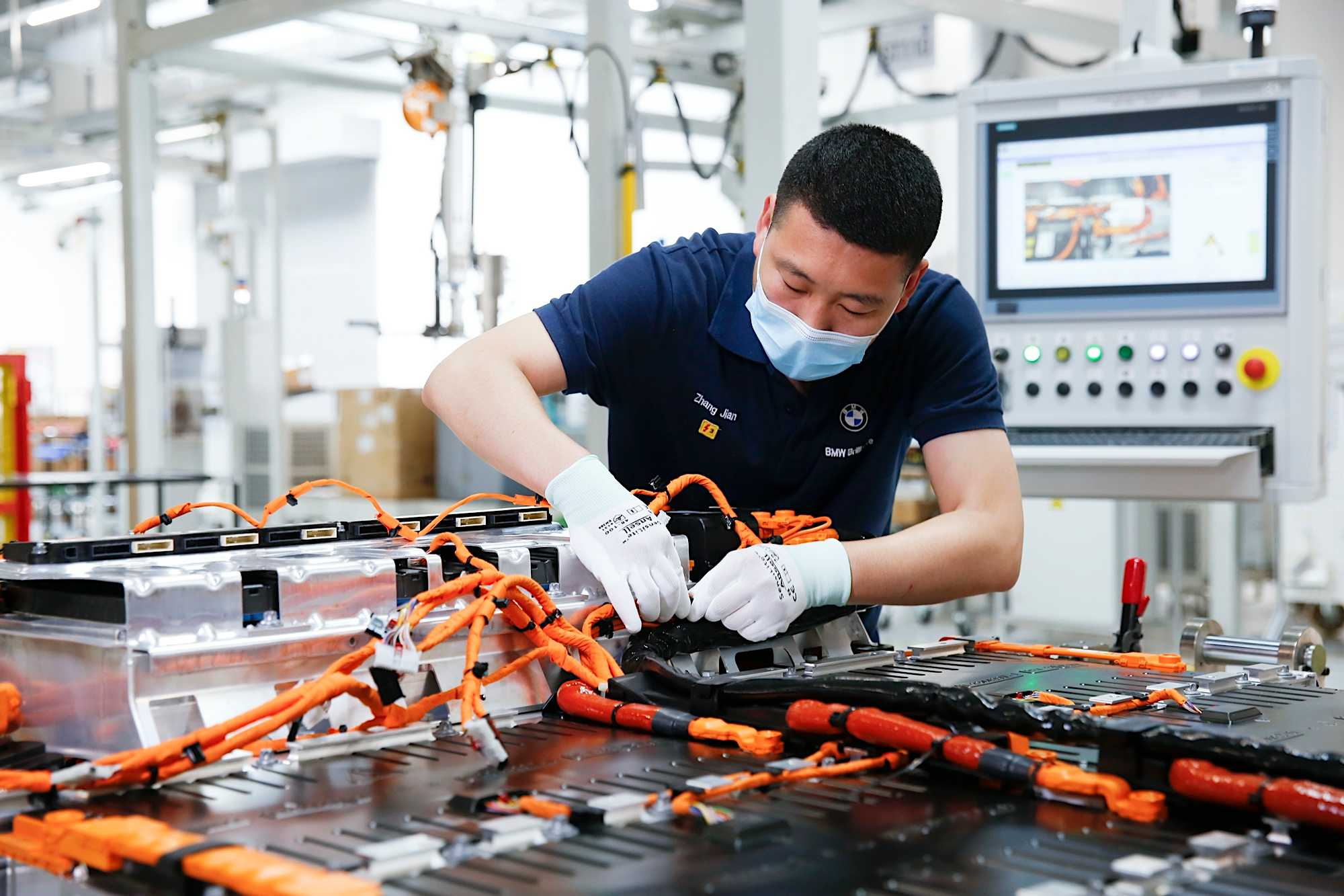 Production of the 5th generation of high-voltage batteries at BMW Brilliance Automotive, China (09/2020)
