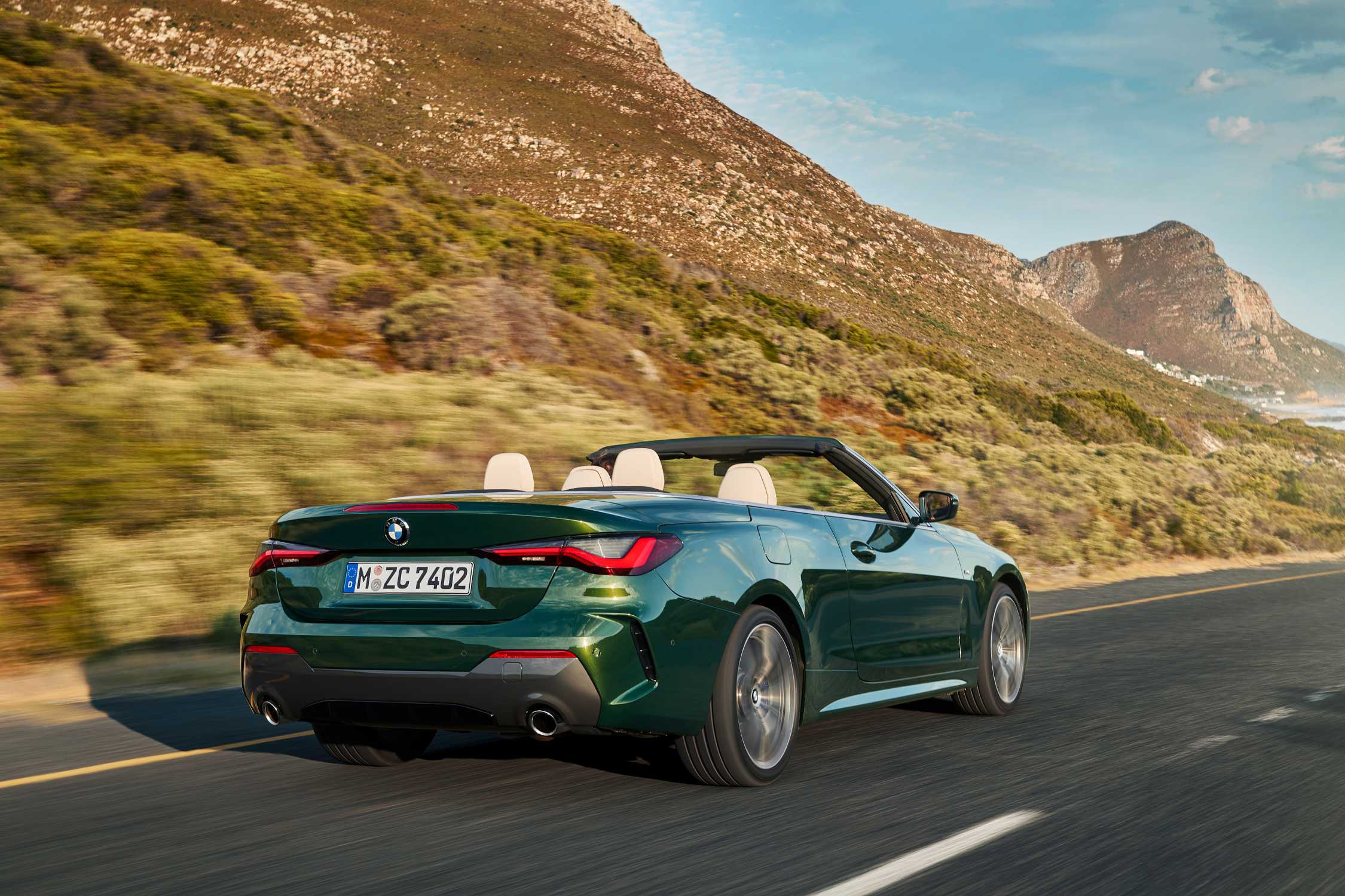 """The all-new BMW 4 Series Convertible, San Remo Green metallic, Rim 19"""" Styling 793i (09/2020)."""
