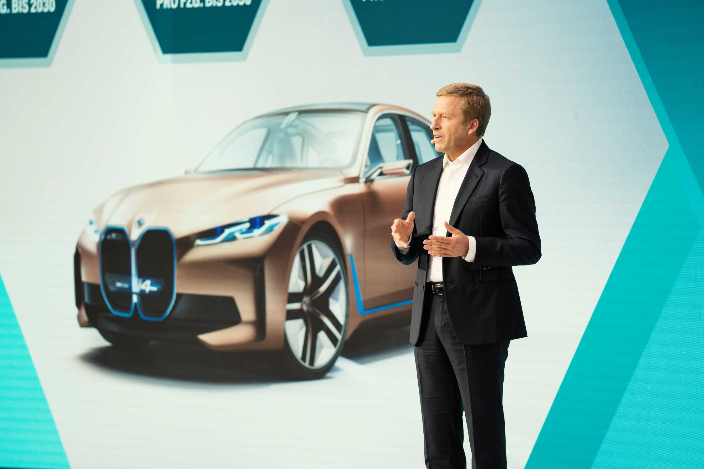 BMW Group FIZ Future: Opening Projekthaus Nord in Munich on 25th September 2020. Oliver Zipse, Chairman of the Board of Management of BMW AG (09/2020).