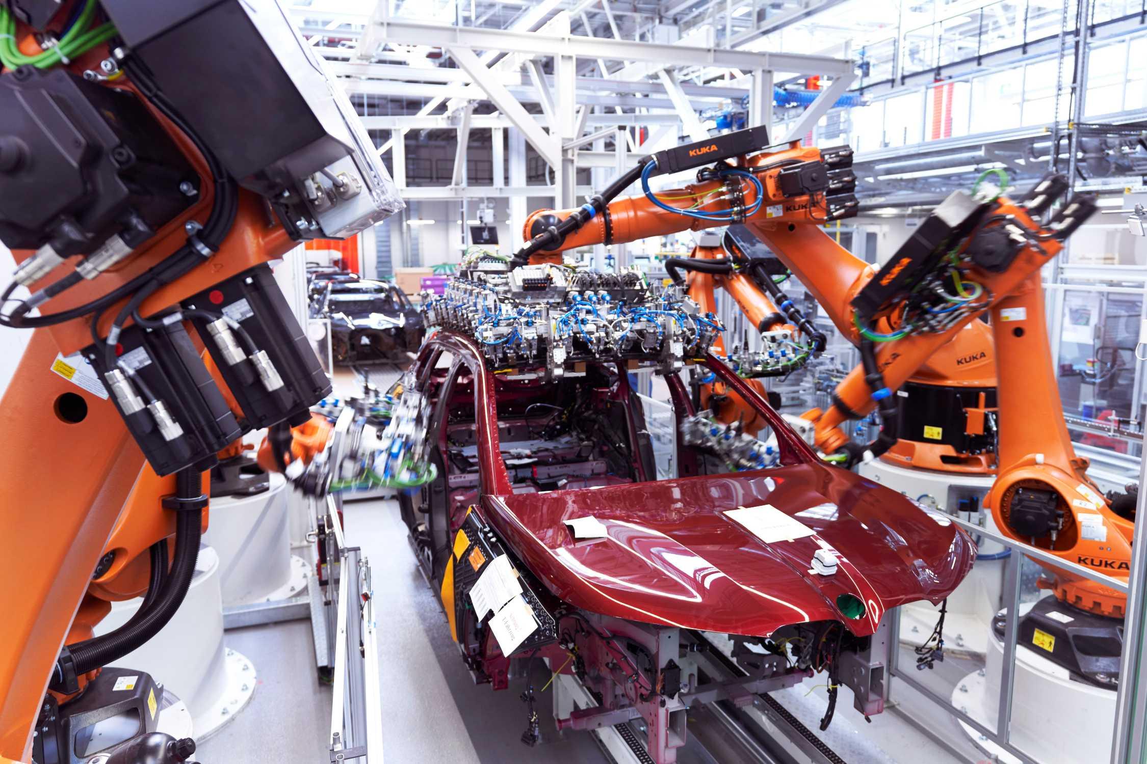 BMW iX: Production at Plant Dingolfing (11/2020).