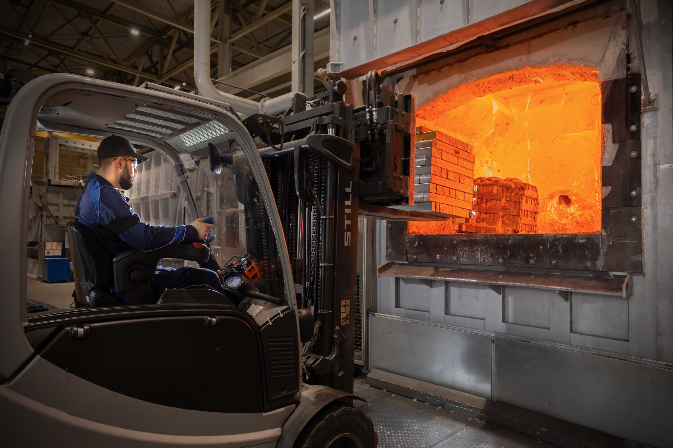 The aluminum produced with solar power is sustainably processed in the light metal foundry of the BMW Group Plant in Landshut. (01/2021)
