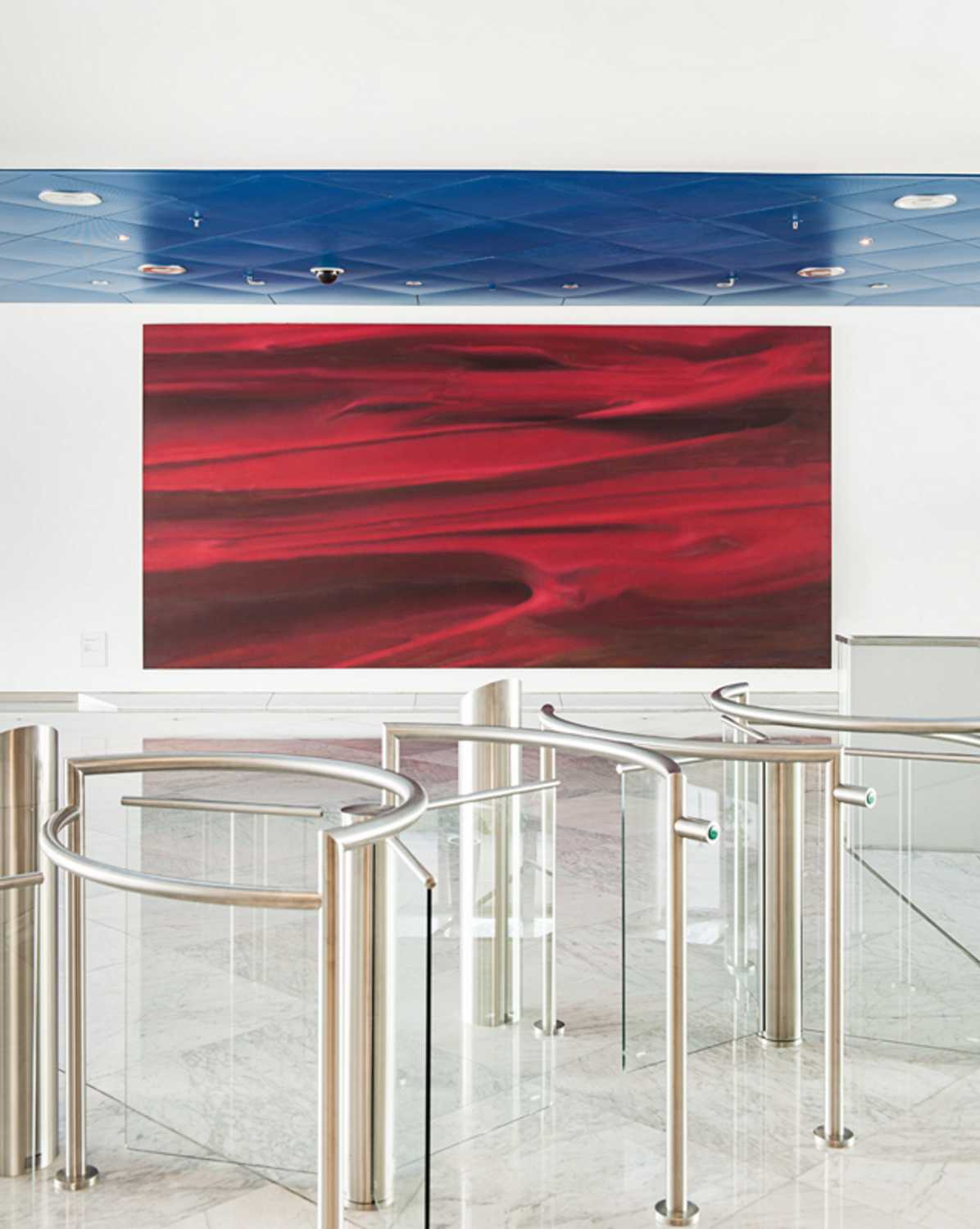 "Gerhard Richter, ""Rot"", oil on canvas, 3m x 6m, 1973. Foyer of the BMW Group Headquarters in Munich (Germany). Photo: Wolfgang Stahr (02/2021)"