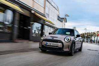 Clear design language meets creative use of space: The new MINI 5-door.