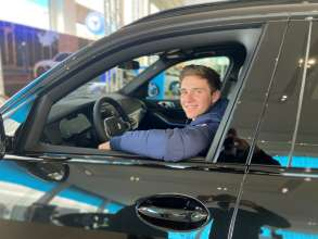 Remco Evenepoel received his plug-in hybrid BMW X5 (02/2021)