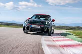 Fresh momentum for extreme driving pleasure: The MINI John Cooper Works.