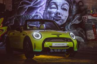 MINI partners with Vhils Studio, Iminente and Underdogs through the MINI VOICES platform.