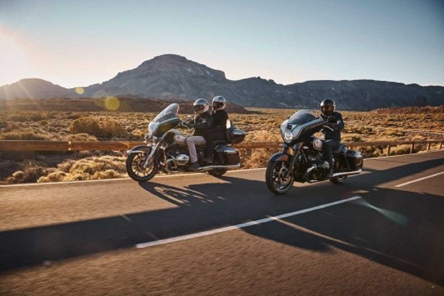 The new 2022 BMW R 18 B and R 18 Transcontinental.