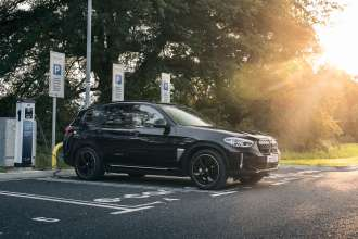 The New BMW iX3 Premiere Edition (09/2021)