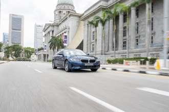 BMW 530e in Singapore. (10/2021)