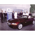 Euro Motors' management, Financial Services BMW Group Middle East and Standard Chartered Bank executives (05/2003)
