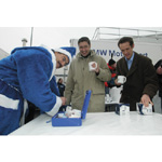 Motorsport Director Mario Theissen at the charitable sell of Gluehwein for the Haus International at the BMW Plant Landshut (12/2003)