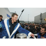Ralf Schumacher at the charitable sell of Gluehwein to the plant staff at the BMW Plant Landshut for the Haus International (12/2003)