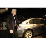 Hollywood Flair in Berlin: Richard Gere and his adequate arrival in the BMW Hydrogen 7 (02/2007)