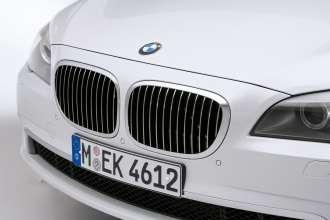 Der neue BMW 7er 12-Zylinder, Niere mit breiterem Chromrahmen (04/2009)