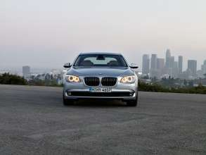 The new BMW ActiveHybrid 7 (08/2009)