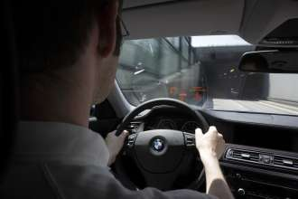 BMW ConnectedDrive - Vehicle-to-Vehicle-Communication - Obstacle warning (06/2009)