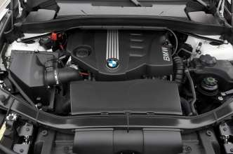 BMW 4-cylinder diesel engine with all-aluminium crankcase, BMW TwinPower Turbo and common rail direct fuel injection (07/2009)