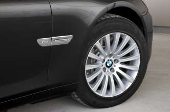 The BMW 7 Series High Security -Run Flat Tyres (07/2009)