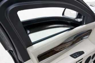 The BMW 7 Series High Security- Safety Glazing with Polycarbonate Layer (07/2009)