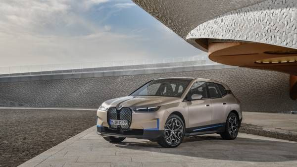 Unveiling BMW iX.
